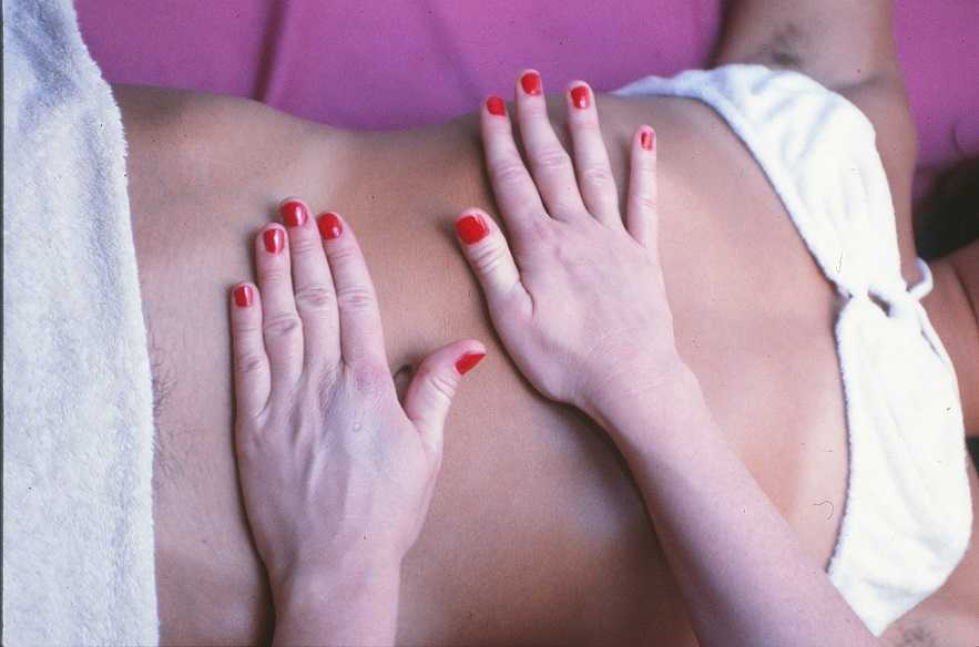 B-Massage-abdomen.jpg